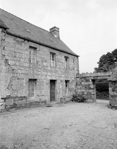 Presbytère, rue de la Mairie (Sainte-Tréphine)