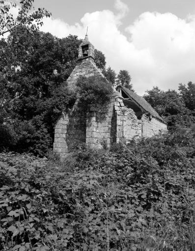Chapelle de la-Trinité (Canihuel) ; Chapelles sur la commune de Canihuel