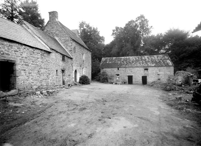 Manoir, Kerolivier (Saint-Gilles-Pligeaux)