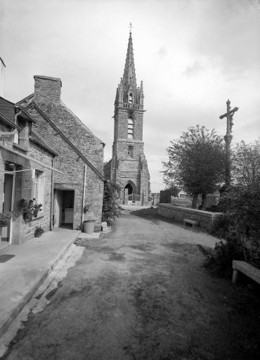 Eglise paroissiale Saint Pierre, Bothoa (Saint-Nicolas-du-Pélem)