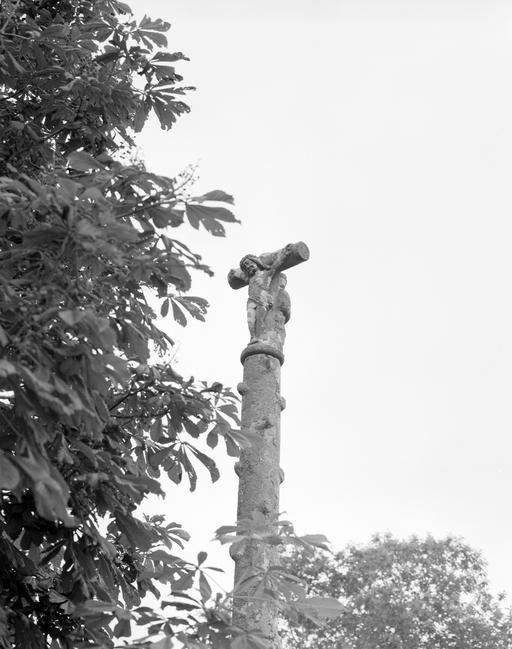Croix de chemin, Kroas Hir (Saint-Thois)