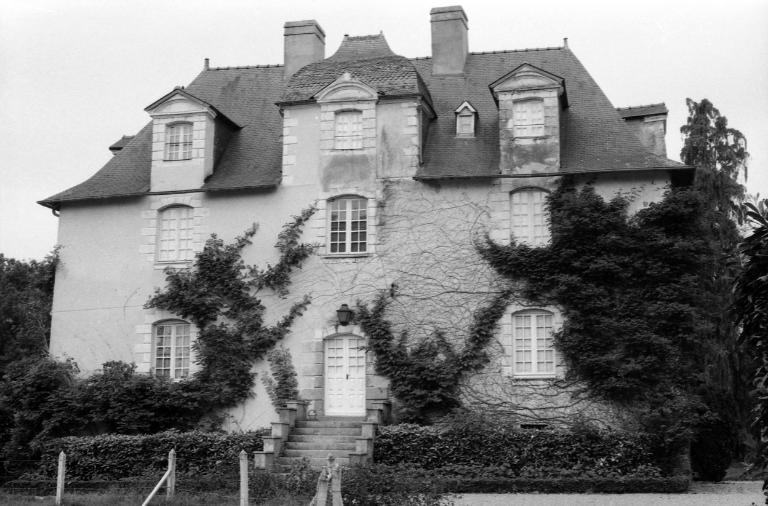 Château de Beaumont (Mordelles) ; Les châteaux, manoirs et demeures de la commune de Mordelles