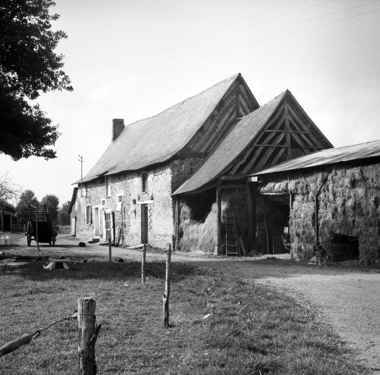 Ferme, lieu-dit le Clos Demée (Cintré) ; Les maisons et les fermes de la commune de Cintré