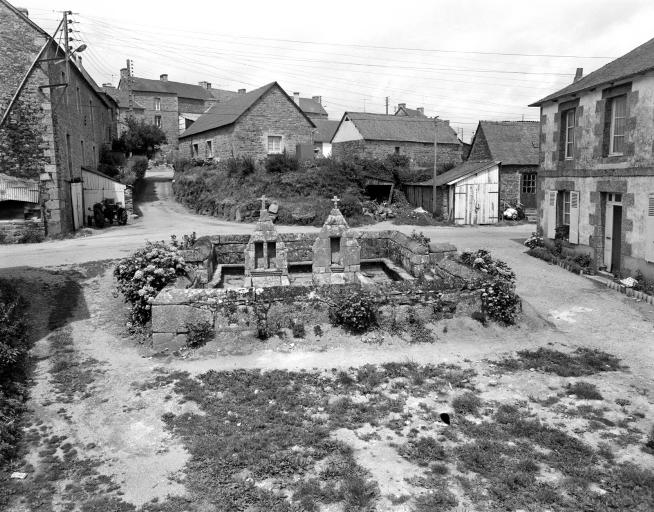 Fontaine de Dévotion, V.O. 1 (Saint-Gilles-Pligeaux)