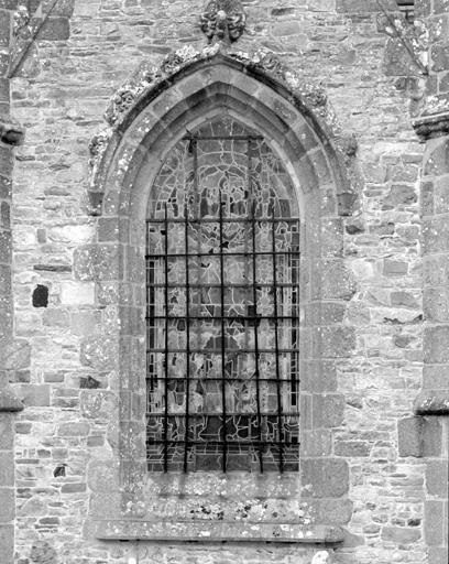 verrière : Pentecôte (baie n°8)