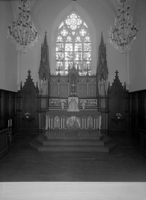 maître-autel, retable architecturé à niche