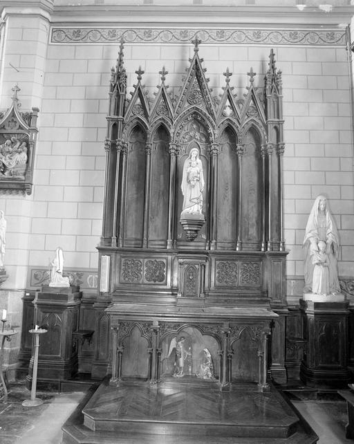 2 autels, 2 retables, 2 tabernacles (autel secondaire, retable à arcatures), Style néo-gothique