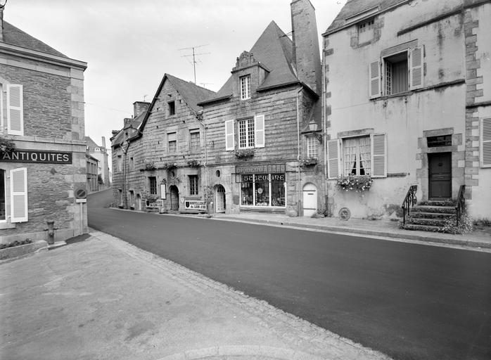 Maison, rue du Pélican (Rochefort-en-Terre)
