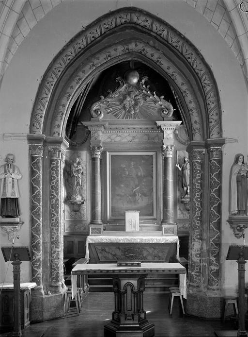 autel, retable, statues (2) (maître-autel, retable architecturé) : Vierge à l'Enfant, Saint Jean-Baptiste
