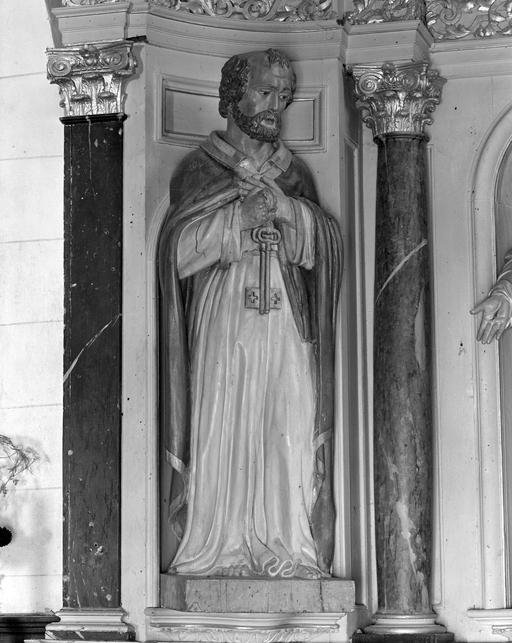 2 statues (petite nature) : Saint Pierre, Saint Jean Baptiste
