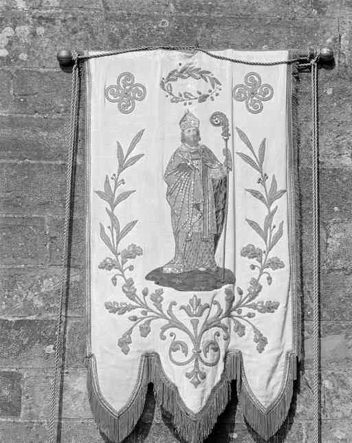 Bannière de procession de paroisse : Saint Aubin