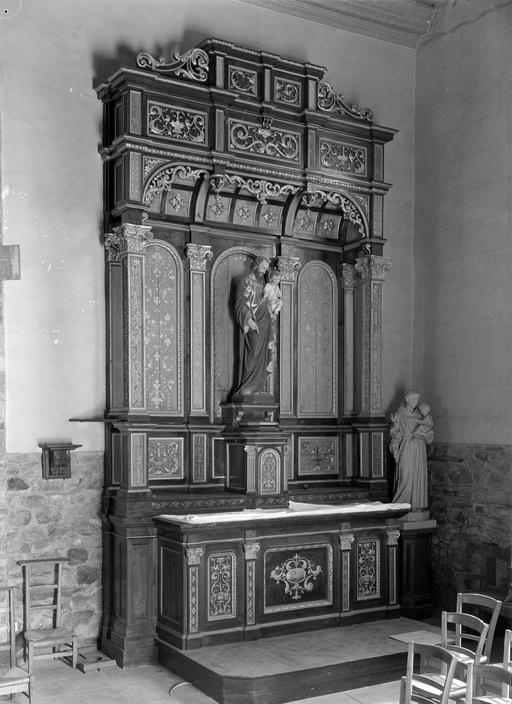autels (2), retables (2), tabernacles (2)