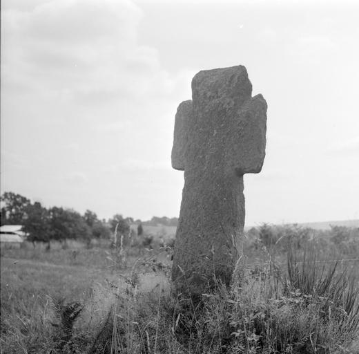 Croix de chemin, près de la Boé (Saint-Abraham)