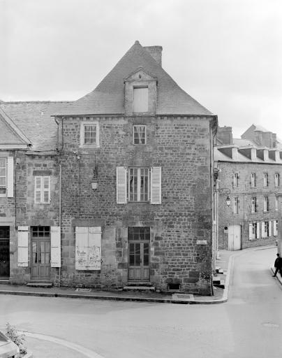 Maison, 11 rue de la Filanderie ; 2 rue Porte Bertault (Bécherel)