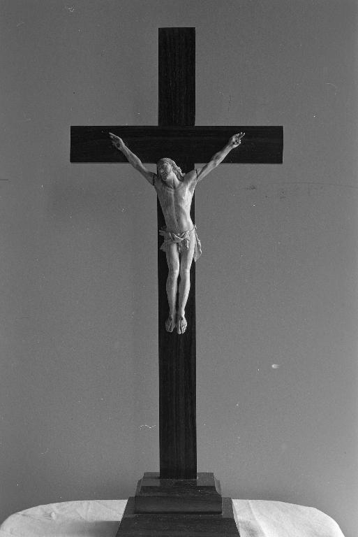 Croix d'autel, église Saint-Marcel (Saint-Marcel)