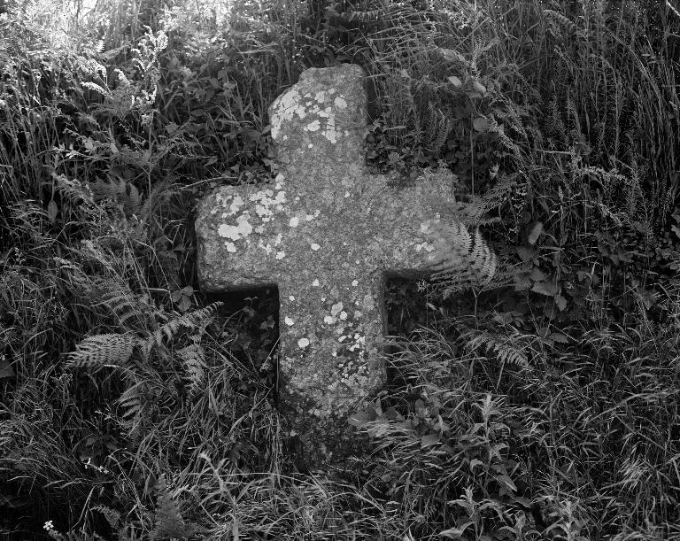 Croix de chemin, Kerveltoc (Tréflez) ; Les croix monumentales sur la commune de Tréflez