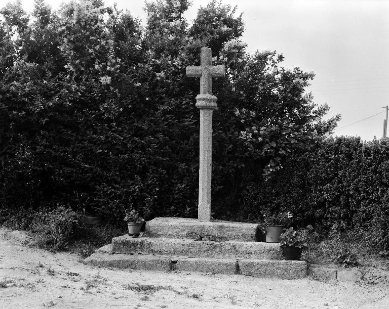 Croix de chemin, Kerscouarnec (Plouescat)
