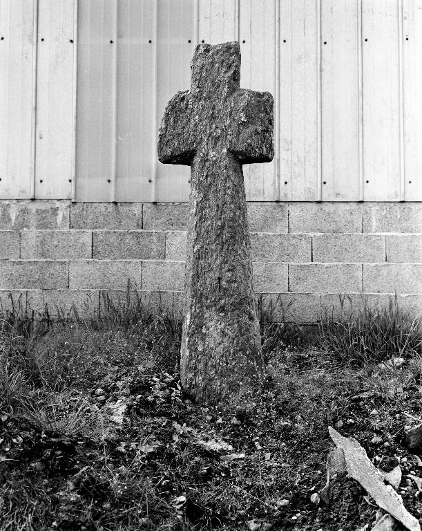 Croix de chemin 2, dite  Coadic Sant Hervé, Kerjean (Plounévez-Lochrist)