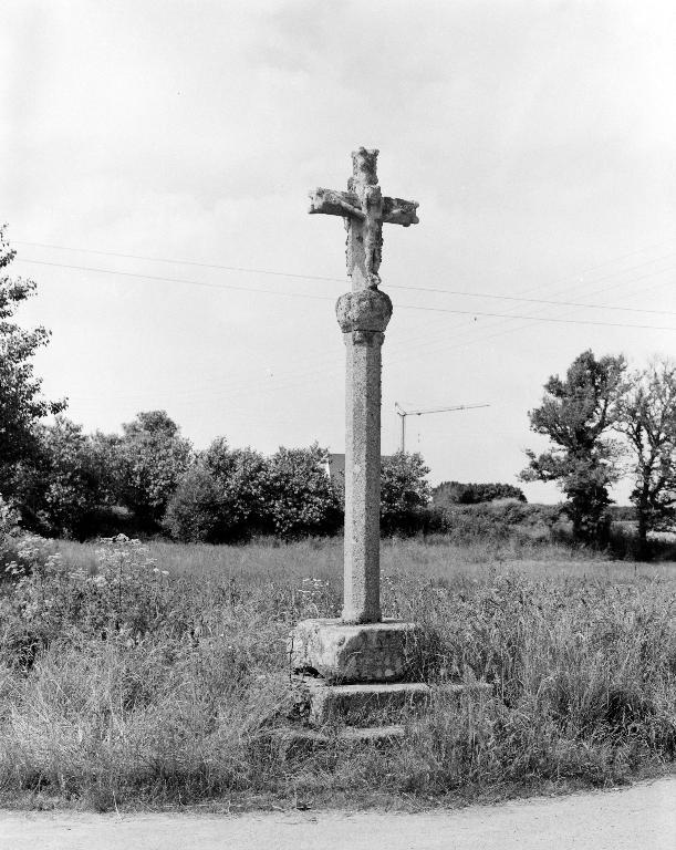 Croix de chemin, Languien (Plouescat)