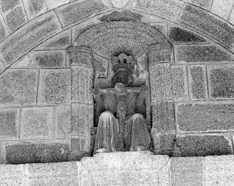 Statue : Trône de grâce, église paroissiale Saint-Pierre (Plounévez-Lochrist)