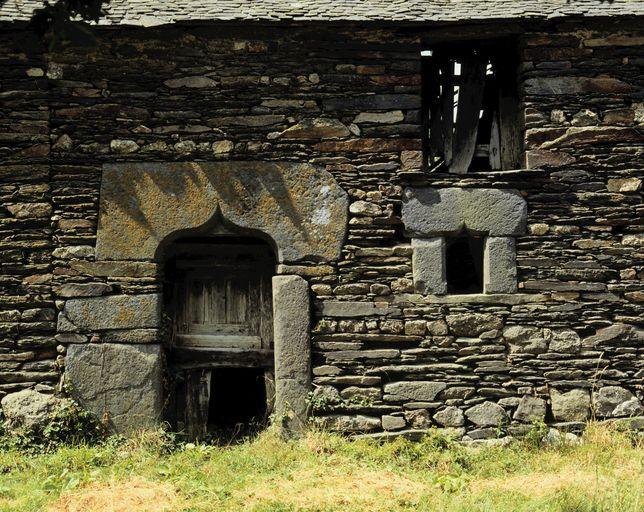 Maison 2, la Ruaudais (Saint-Nicolas-du-Tertre) ; Les maisons et les fermes sur la commune de Saint-Nicolas-du-Tertre