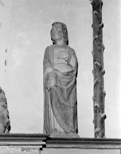 Statue: saint Jean (La Ferrière fusionnée en Les Moulins en 2016)