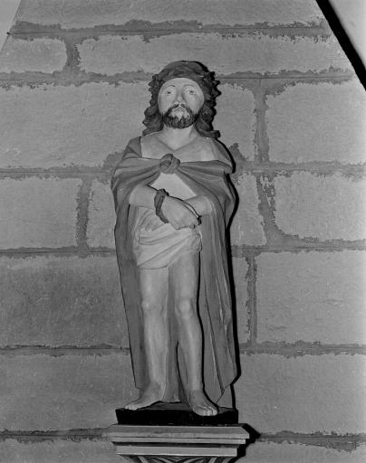 Statue: Ecce homo (La Ferrière fusionnée en Les Moulins en 2016)