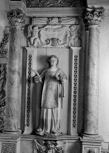 Statue: Saint Etienne