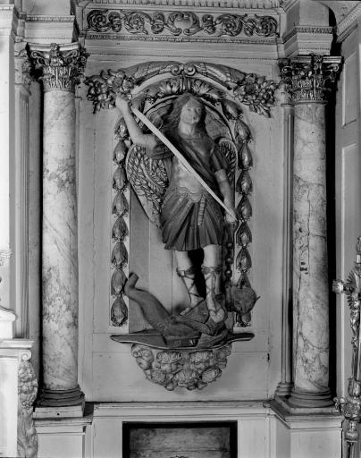 Statues (3): Saint Hervé, Saint Michel, Vierge à l' Enfant
