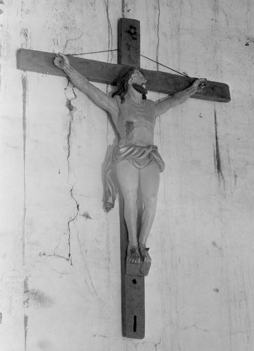 Croix: Christ en croix