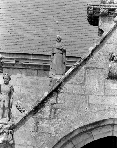 Statue: Saint (3)