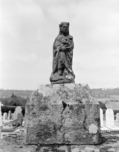Statue: Vierge à l'Enfant (5)