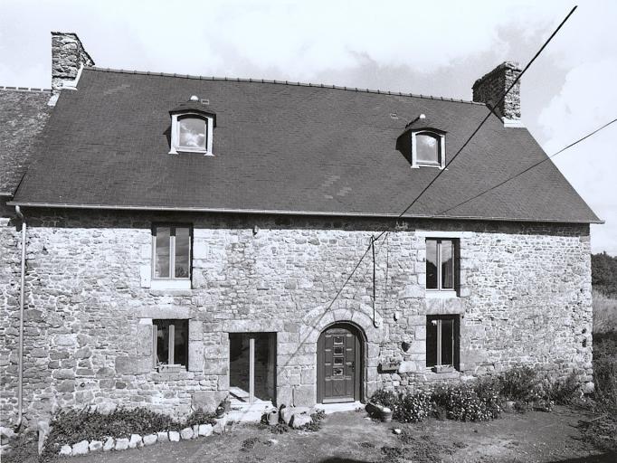 Maison, le Rocher (Baguer-Pican)
