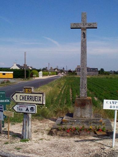 Croix de chemin, RD 82 ; RD 797, le Bois Robin (Cherrueix)