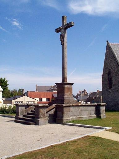 Croix monumentale, place de l'Eglise (Cherrueix)