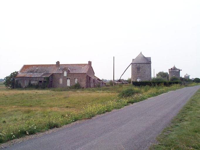 Présentation de la commune de Cherrueix ; Moulin dit des Mondrins (Cherrueix) ; Moulin dit de la Grande Pâture (Cherrueix) ; Moulin dit de la Colimacière (Cherrueix) ; Les moulins sur la commune de Cherrueix