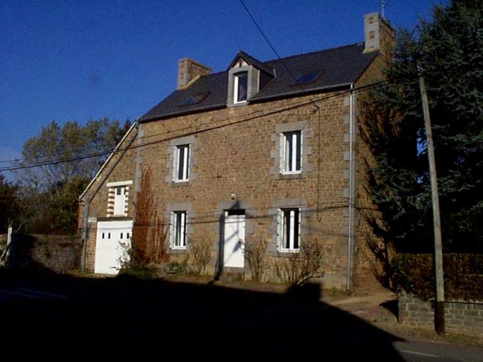 Maison, 12 rue de la Mairie (Epiniac)