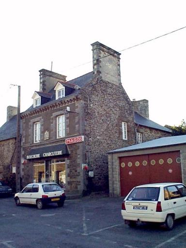 Maison, 4 place de l'Eglise (Epiniac)