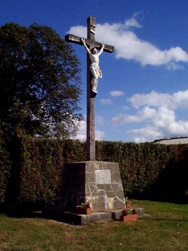 Croix monumentale, rue Amiral Duperré, Beauregard (Baguer-Morvan)