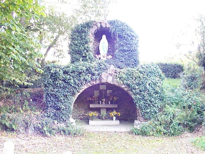 Oratoire dit grotte de Lourdes, R.D. 8, la Hirlais (Baguer-Morvan)