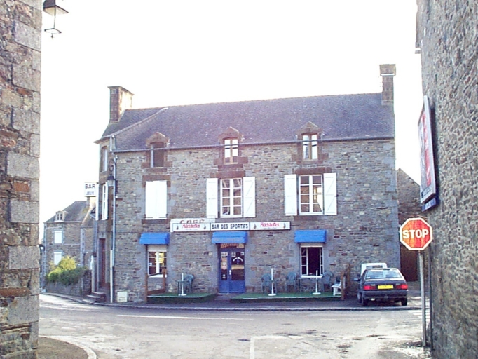 Hôtel de voyageurs, 5 place de l'Eglise (Baguer-Morvan)