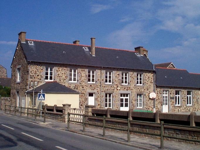 École primaire, 2 rue de la Mairie (Le Vivier-sur-Mer)