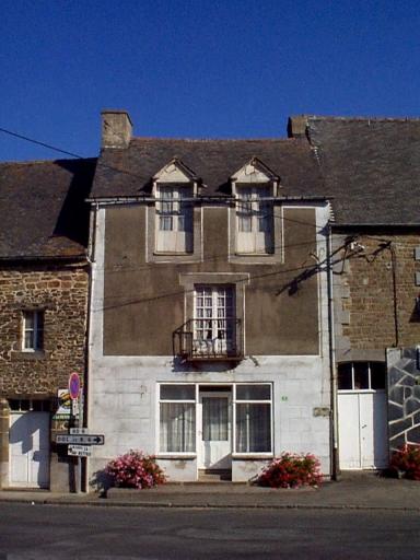 Maison, 8 rue de l'Eglise (Roz-Landrieux)