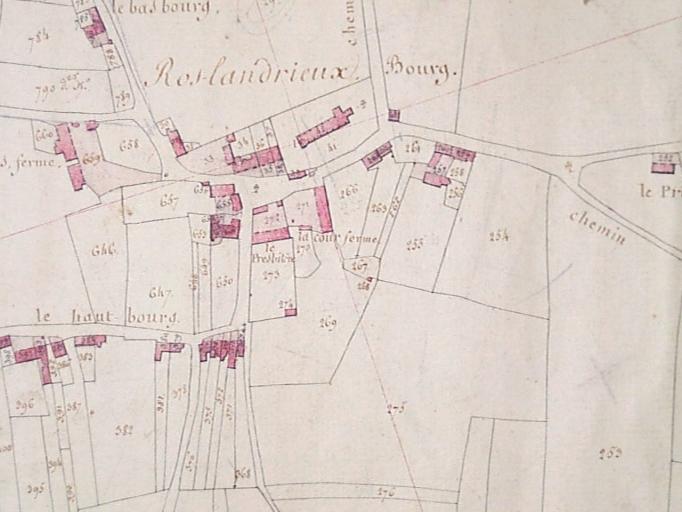Village, dit bourg de Roz-Landrieux ; Manoir des Salles (?), 1 rue des Masses (Roz-Landrieux)