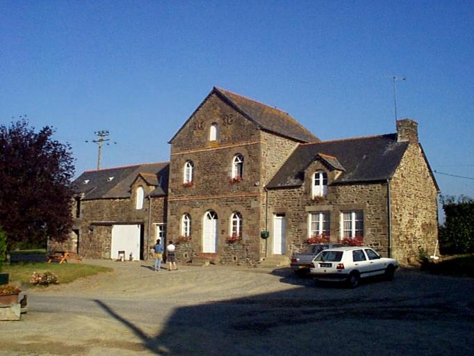 Présentation de la commune de Roz-landrieux ; Ferme, la Rochelle (Roz-Landrieux)