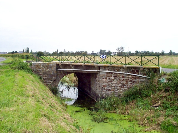 Pont, voie communale n°12, près du Pont Labbat (Mont-Dol)