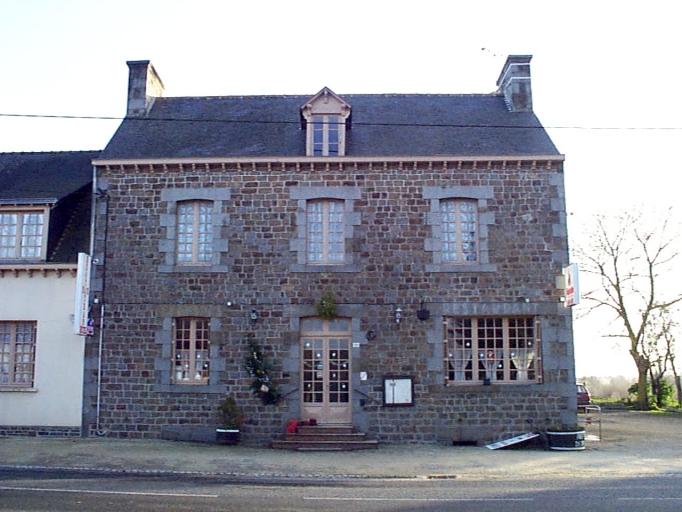 Maison, 32 rue de Paris (Baguer-Pican)