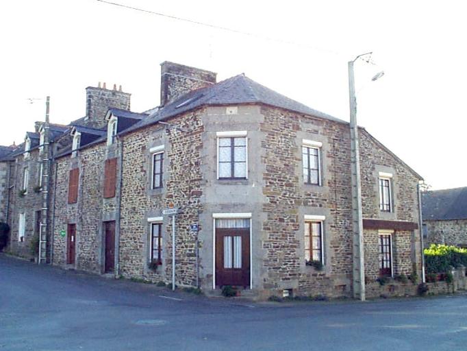 Maison, 2 rue du Calvaire ; 1 rue de la Mairie (Epiniac)