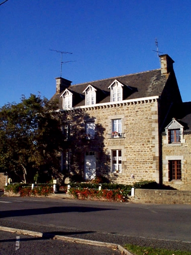 Maison, 8 rue de la Mairie (Epiniac)