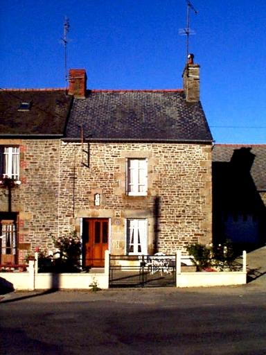 Maison, 2 rue de la Mairie (Epiniac)